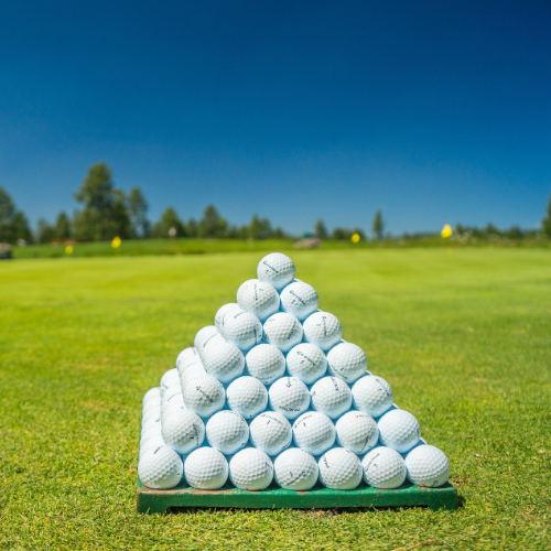 Ball-Flatrate-golf-club-spessart-kostenlose-golfbälle-im-Trainig-golftraining-mit-guten-golfbällen-golftraining-golfbälle-driving-range-bälle