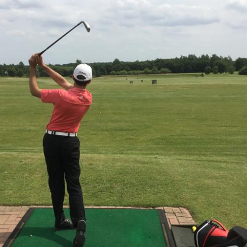 Driving-Range-golf-und-landclub-gut-uhlenhorst-alen-weber-pga-professional-bei-az-professional-golf-kiel-andreas-zürker-familie-sindt-golf-in-schleswig-holstein