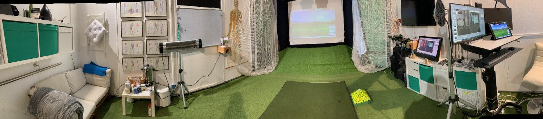 Wintertraining-Panorama-Golf-Simulator-Golftraining-im-Golfsimulator-Wintertrainingszeit-golftraining-im-Winter-Wintergolf-wintergolftraining-golfsimulator-training